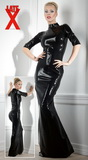 Dlouhé a těsné latexové šaty